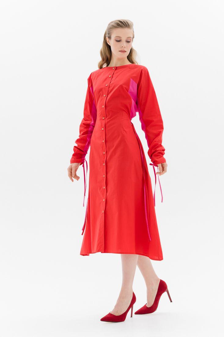 Платье с контрастными вставками Belkafashion